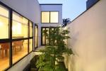 2階中庭案と3階LDk案の両方の検討が必要ですね。