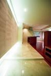 壁全体を間接照明で立体的に・・・