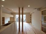 家を作るなら無垢の木の床はとってもいいですよ