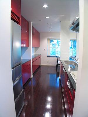 キッチンと食器棚のスペースについて