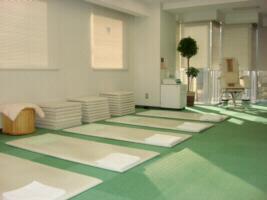 横浜駅徒歩5分の整体:横浜治療センター