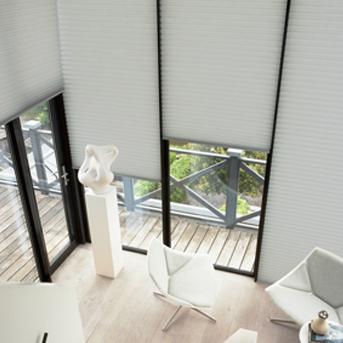 高層マンションの西日、朝日対策にはハンターダグラス製品が最適です。