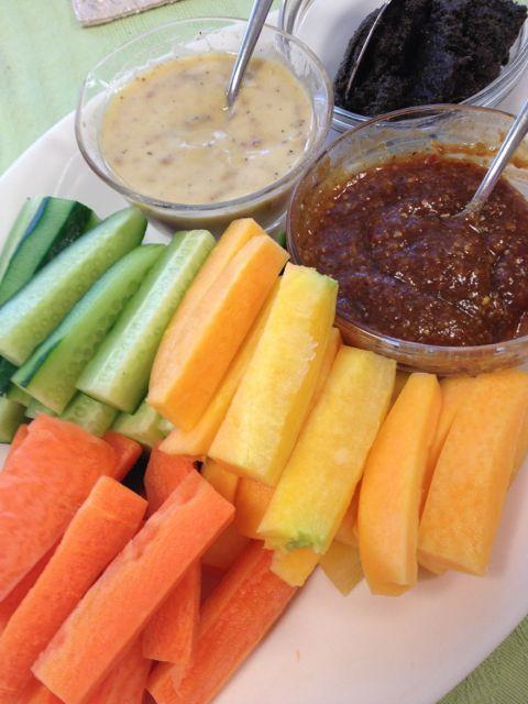 自家製ディップでしゃっきり食感の野菜スティックを美味しく!