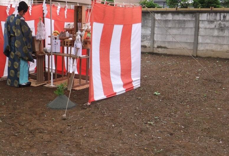 いよいよ、東京のど真ん中にて地鎮祭を行いました。