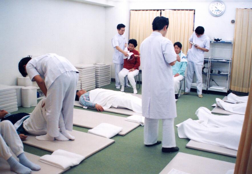 海外でも評価された、30年の実績ある川井筋系帯療法