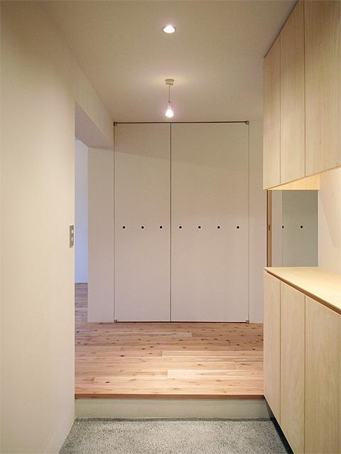家の顔「玄関」−床