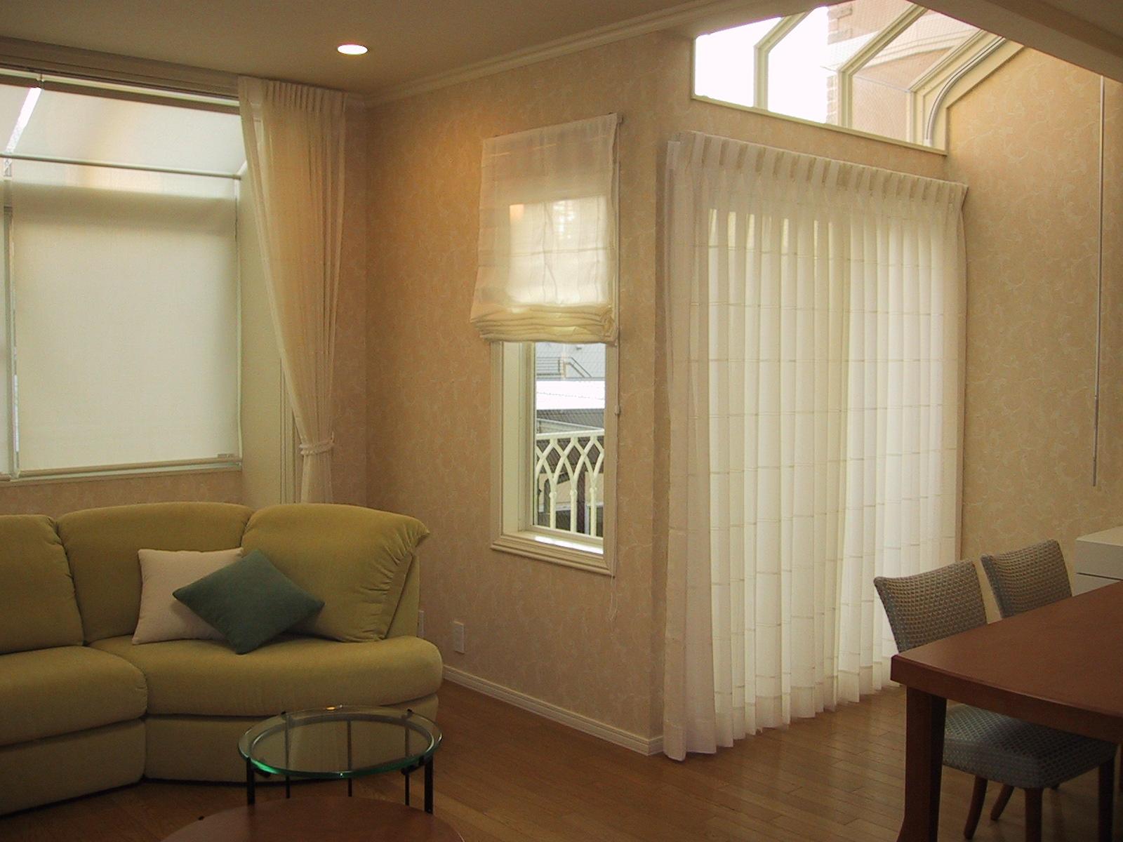 ハイサイドライトの窓装飾〜2