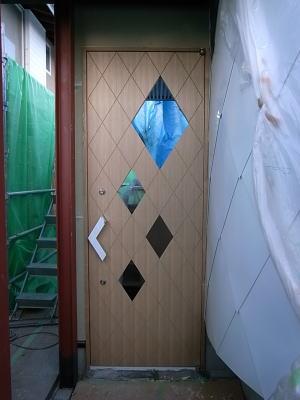 甲府の現場報告 12(玄関ドア)