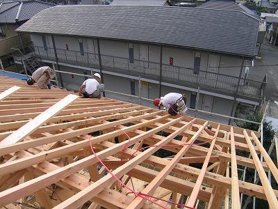パッシブソーラーそよ風の家 上棟作業続き