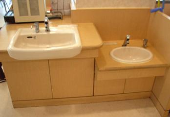 フードコーナーに子ども用手洗い場