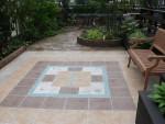 3か月かかって、ようやく完成したホテルの庭園