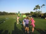 全米女子プロゴルフプロ 最新ゴルフエイドを体験中 (写真付き)