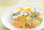 100%天然素材家庭料理!ハーブ香る野菜たっぷりお魚料理は…