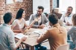 気を遣いすぎてしまう人の深層心理と、職場などでよくとる行動