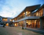【にぬふぁ保育園】が「近代建築 8月号」近代建築社(8/11発行) に掲載されました。