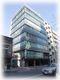 【亀山ビル】(1)新橋の角ビル+屋根付き平置駐車場
