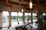 海の見える家 食堂・居間