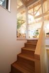 ツインバルコニーの家 階段