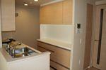 オーダー食器棚を工夫して施工しました。