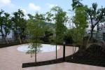 松戸老人ホームの 囲われた庭