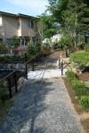 高齢者施設のヒーリングガーデン 「遊歩道」