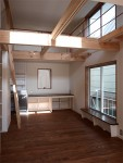 密集地の西向きの家:Ritoh(リト)-6:明るい2階リビング