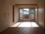 密集地の西向きの家:Ritoh(リト)-8:リビングと続きの寝室
