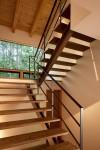 階段の踊り場はとても景色のよい借景でした。