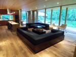 空間を生かすために、家具もデザインしています。