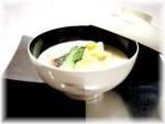 クリームシチューを和食器に盛り付けて・・・。