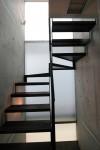 船の家 :階段と窓あかり