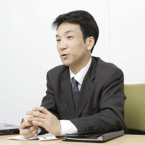 岡崎 謙二