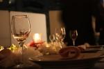 きらきら輝くクリスマステーブルコーディネート